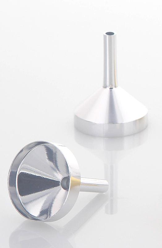 Mini Metall Parfümtrichter Kosmetex, kleiner Trichter 3 cm zum umfüllen Silber